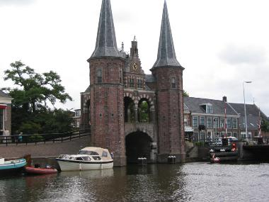 Bij de Waterpoort in Sneek.